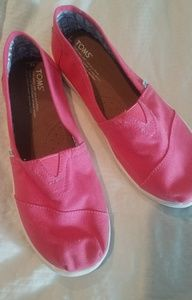 Toms pink youth classic